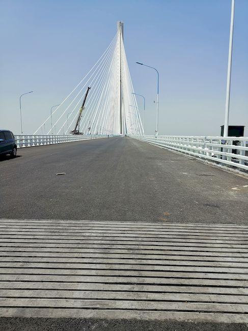 18 Lamellen gleichen die Dehnbewegungen der Hauptbrücke aus. Foto: MAURER